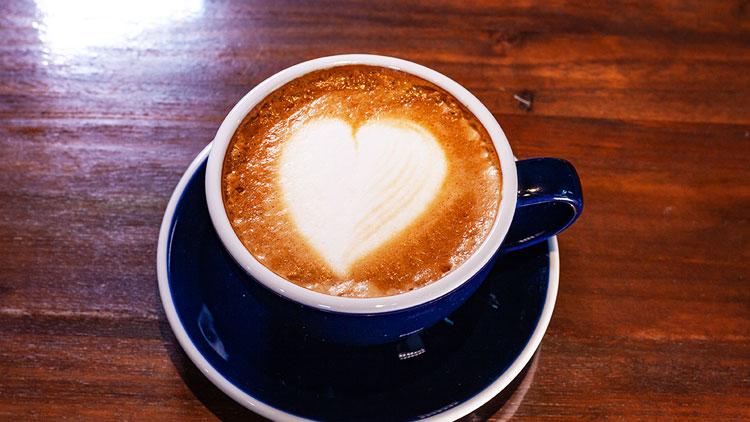 コーヒー ホットとアイスがあります|オリイーリオ oliilio 大切な愛犬ととっておきの時間をすごせるDOGドッグカフェ&ダイニング